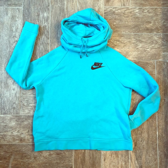 Nike Funnel Neck Pullover Hoodie - Women s. M 5a84bcdefcdc31dd62aae20f 4717893138